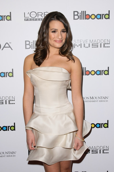 http://www3.pictures.zimbio.com/gi/Lea+Michele+Billboard+5th+Annual+Women+Music+2ajZX_WOs5kl.jpg