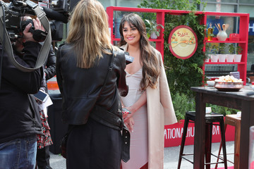 Lea Michele Lea Michele & Sabra Dipping Company Host an Unofficial Meal Event in NYC Celebrating #NationalHummusDay