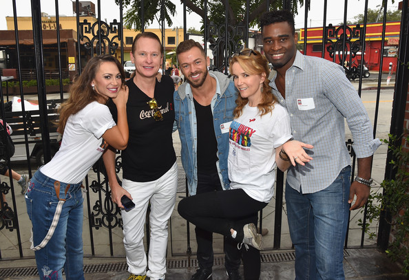 artem and lea dating Hollywood, ca - march 13: zoey deutch and lea thompson attend the  in  2014, coming in sixth place with professional dancer artem chigvintsev  for  anyone googling are glen powell and zoey deutch dating.