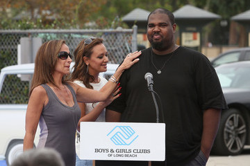 Leah Remini Life is Good Supports Dream Court Opening - BGCLB