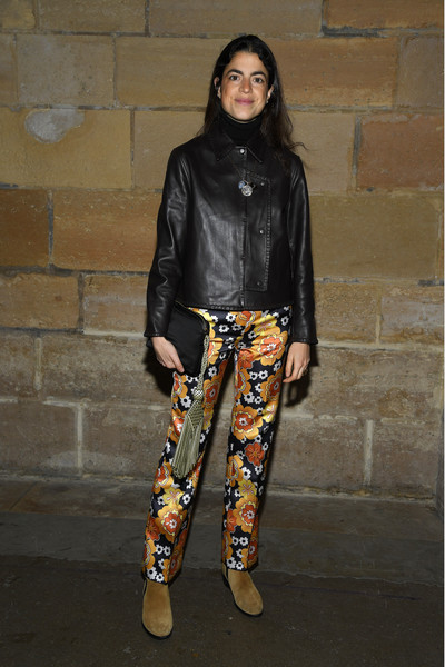 Paco Rabanne : Outside Arrivals - Paris Fashion Week - Womenswear Fall/Winter 2020/2021 [clothing,street fashion,fashion,jacket,leather jacket,footwear,outerwear,jeans,leather,trousers,paco rabanne,outside arrivals,leandra medine,part,la conciergerie,paris,france,paris fashion week womenswear fall,paris fashion week,jeans,denim,fashion,czsalus stylish leggings push up fuseaux with caffeine vitamin e,leggings,socialite,shoe,model]