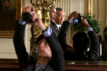 Lee Hsien Loong Obama and Prime Minister Lee Hsien Loong Hold Joint News Conference in White House Rose Garden