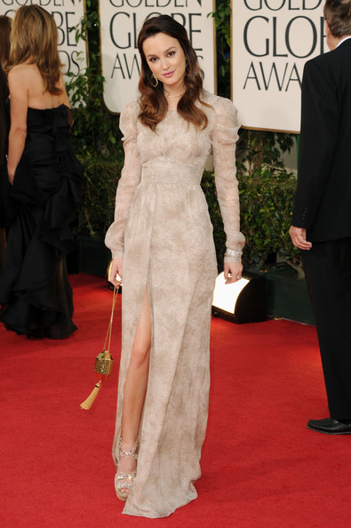 Anne Hathaway At Golden Globes 2010. Anne Hathaway in Armani Prive