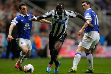 Leighton Baines Newcastle United v Everton