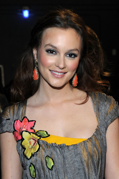 Leighton Meester Actress Leighton Meester backstage at the 2011 People's Choice Awards at Nokia Theatre L.A. Live on January 5, 2011 in Los Angeles, California.