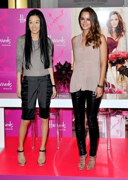 http://www3.pictures.zimbio.com/gi/Leighton+Meester+Vera+Wang+Celebrate+Exclusive+_-JbyzVHFYal.jpg