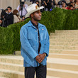 Leon Bridges The 2021 Met Gala Celebrating In America: A Lexicon Of Fashion - Arrivals