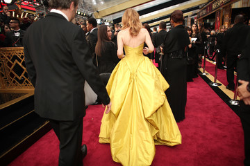 Leslie Mann 89th Annual Academy Awards - Red Carpet