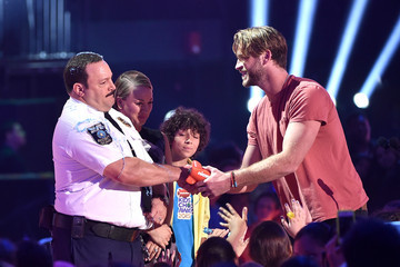 Liam Hemsworth Nickelodeon's 28th Annual Kids' Choice Awards - Show