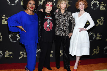 Lily Tomlin Kathy Griffin L.A. LGBT Center's Gold Anniversary Vanguard Celebration 'Hearts Of Gold' - Arrivals