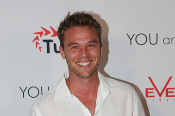 lincoln lewis - photo #33