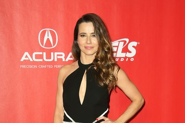 Linda Cardellini 59th GRAMMY Awards - MusiCares Person of the Year - Red Carpet