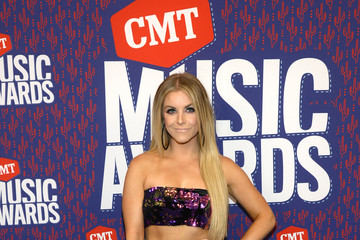 Lindsay Ell 2019 CMT Music Awards - Executives