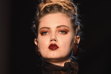 Lindsey Wixson Jean Paul Gaultier : Runway - Paris Fashion Week - Haute Couture Fall/Winter 2016-2017
