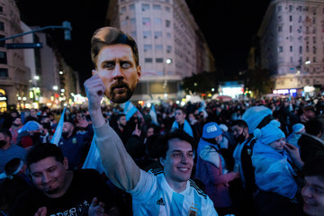 Lionel Messi Argentines Celebrate A Football Title After 28 Years