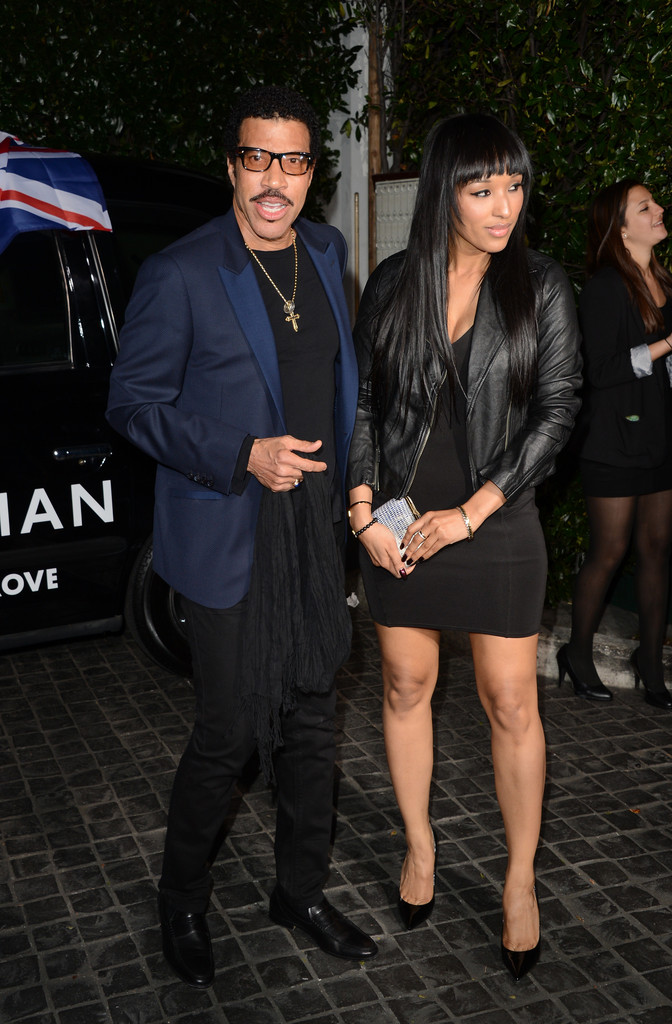 Lionel Richie appears to be Through with the Swirl and is Now Dating A    Lionel Richie Girlfriend 2013