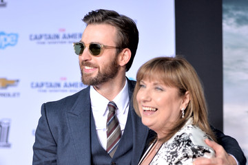 Lisa Evans 'Captain America: The Winter Soldier' Premiere — Part 2