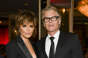 Lisa Rinna Harry Hamlin The Women's Cancer Research Fund's An Unforgettable Evening 2020 - Cocktail Reception