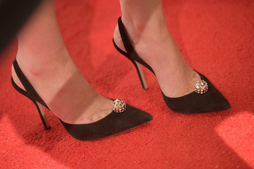 Lizzy Caplan Saban Community Clinic's 39th Annual Dinner Gala - Red Carpet