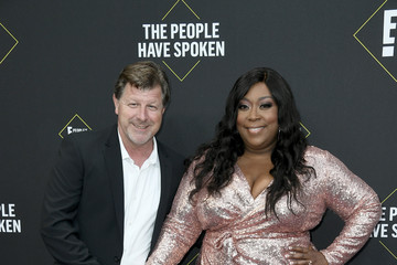 Loni Love James Welsh 2019 E! People's Choice Awards - Arrivals
