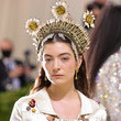Lorde The 2021 Met Gala Celebrating In America: A Lexicon Of Fashion - Arrivals