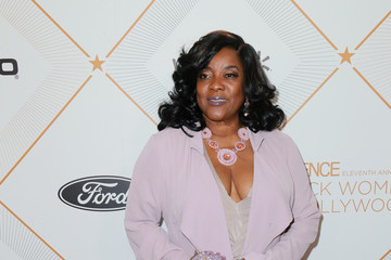 Loretta Devine 2018 Essence Black Women In Hollywood Oscars Luncheon - Red Carpet