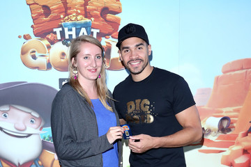 Louis Smith Louis Smith Launches the 'Dig That Gold' Mobile Game App
