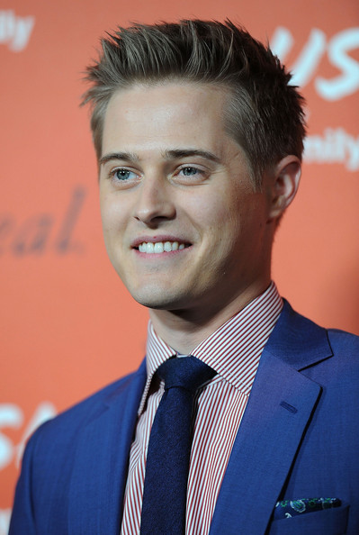 Lucas Grabeel Net Worth