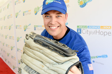 Lucas Hoge 28th Annual City Of Hope Celebrity Softball Game - Arrivals