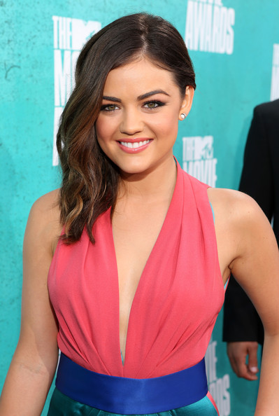 http://www3.pictures.zimbio.com/gi/Lucy+Hale+2012+MTV+Movie+Awards+Red+Carpet+BeofUpAIi9pl.jpg
