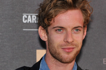 luke treadaway singing