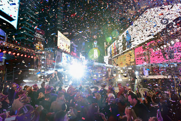 Luke Bryan New Year's Eve 2016 in Times Square