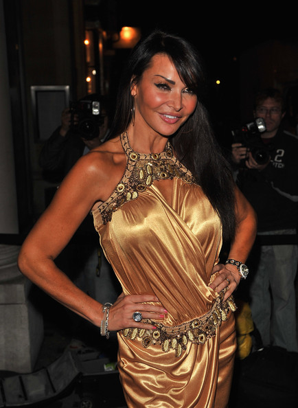 WAG Lizzie Cundy defends John Terrys affair (video)