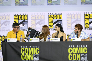 Madelaine Petsch Camila Mendes 2019 Comic-Con International - 'Riverdale' Special Video Presentation And Q/A