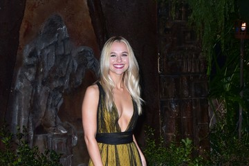 Madison Iseman Premiere of Columbia Pictures' 'Jumanji: Welcome to the Jungle' - Arrivals