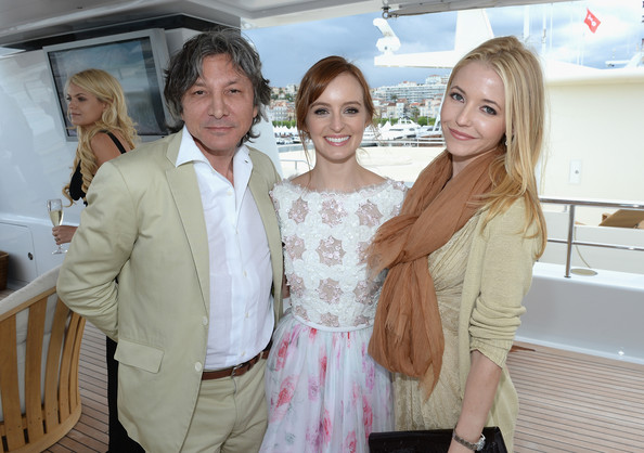 Celebs Hang Out on a Yacht