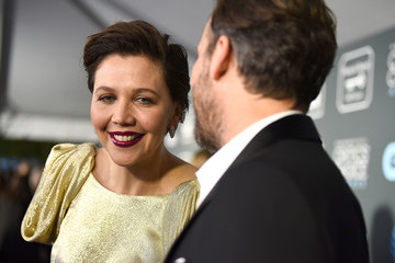 Maggie Gyllenhaal Claire Foy Accepts The #SeeHer Award At The 24th Annual Critics' Choice Awards