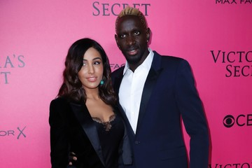 Mamadou Sakho 2016 Victoria's Secret Fashion Show in Paris - Pink Carpet Arrivals
