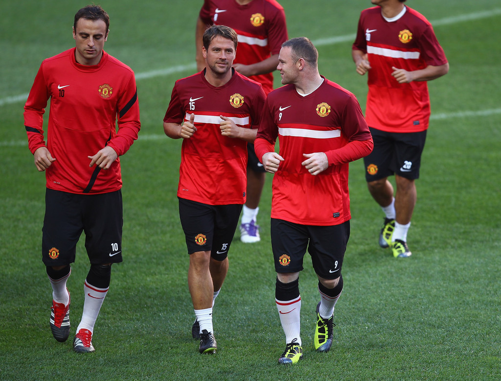 manchester united training and press conference zimbio. Black Bedroom Furniture Sets. Home Design Ideas