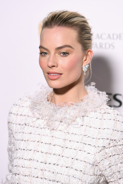 EE British Academy Film Awards Nominees Party - Red Carpet Arrivals [hair,face,lip,hairstyle,eyebrow,shoulder,blond,skin,fashion,beauty,red carpet arrivals,margot robbie,nominees party,ee,england,london,kensington palace,british academy film awards,nominees party]