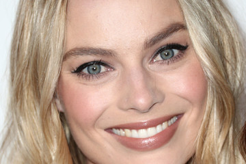 Margot Robbie ELLE's 24th Annual Women in Hollywood Celebration - Arrivals