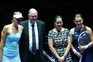 Maria Sharapova Agnieszka Radwanska BNP Paribas WTA Finals: Singapore 2015 - Day One