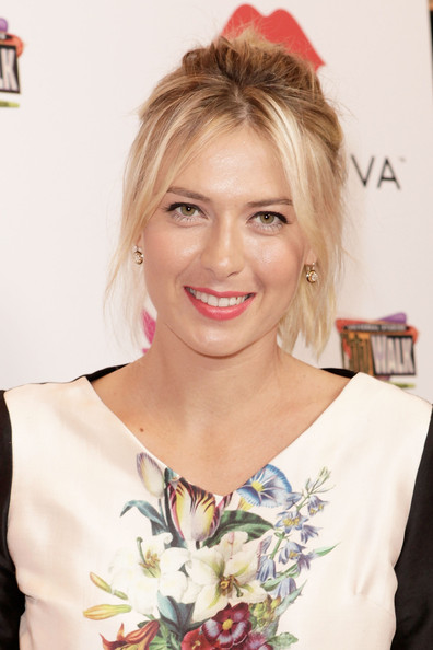 Maria Sharapova - Maria Sharapova Launches Her Sugarpova Candy Collection On The West Coast At IT'SUGAR At Universal CityWalk In LA