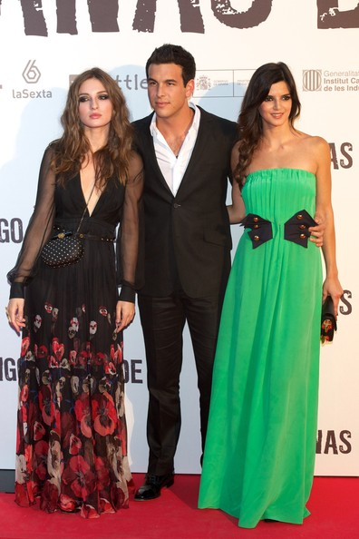 """Tengo Ganas de Ti"" Premiere in Madrid [dress,clothing,red carpet,carpet,gown,shoulder,formal wear,a-line,premiere,strapless dress,mario casas,clara lago,maria valverde,tengo ganas de ti premiere in madrid,spanish actors,l,r,callao cinema on june 20,madrid,spain]"