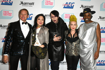 Marilyn Manson Cyndi Lauper And Friends: Home For The Holidays Benefit