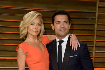 Mark Consuelos Stars at the Vanity Fair Oscar Party
