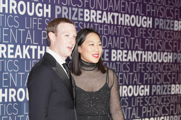 Mark Zuckerberg 2019 Breakthrough Prize - Red Carpet
