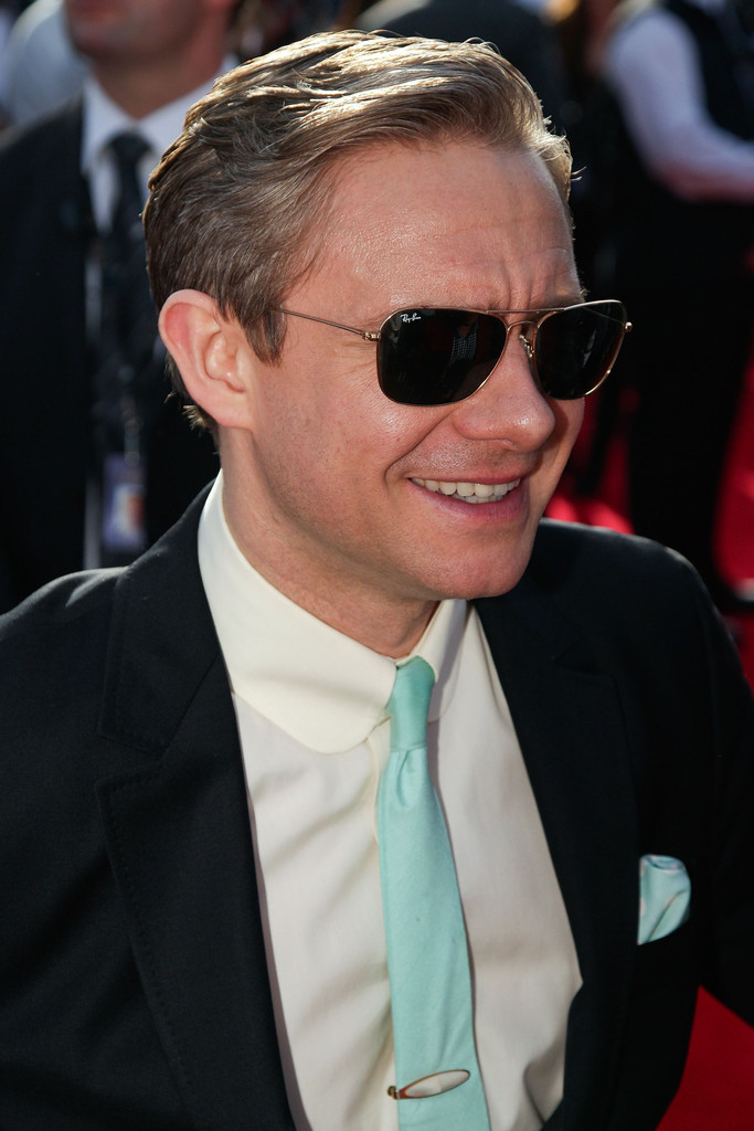 http://www3.pictures.zimbio.com/gi/Martin+Freeman+Hobbit+Unexpected+Journey+World+FWCRXOZkaT8x.jpg