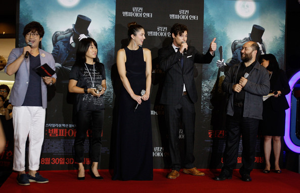 'Abraham Lincoln: Vampire Hunter' South Korea Premiere [abraham lincoln: vampire hunter south korea premiere,film,red carpet,carpet,premiere,event,flooring,performance,award,mary elizabeth winstead,timur bekmambetov,benjamin walker,r,south korea,seoul,premiere,abraham lincoln: vampire hunter seoul]