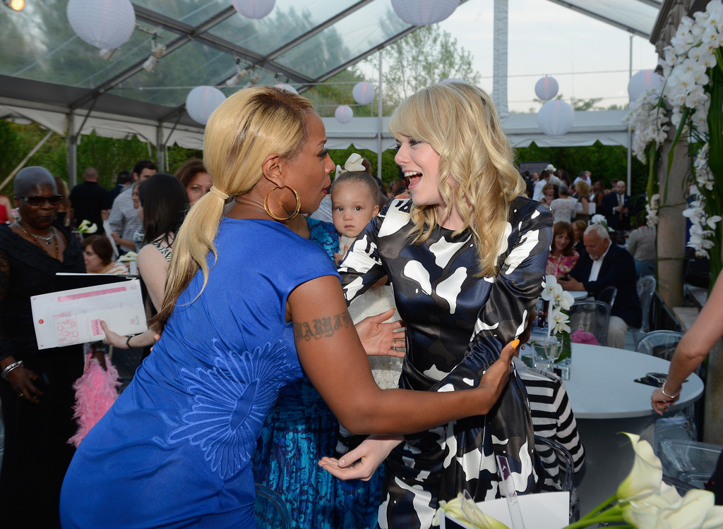 Mary J. Blige - Arrivals at the Breast Cancer Foundation Benefit